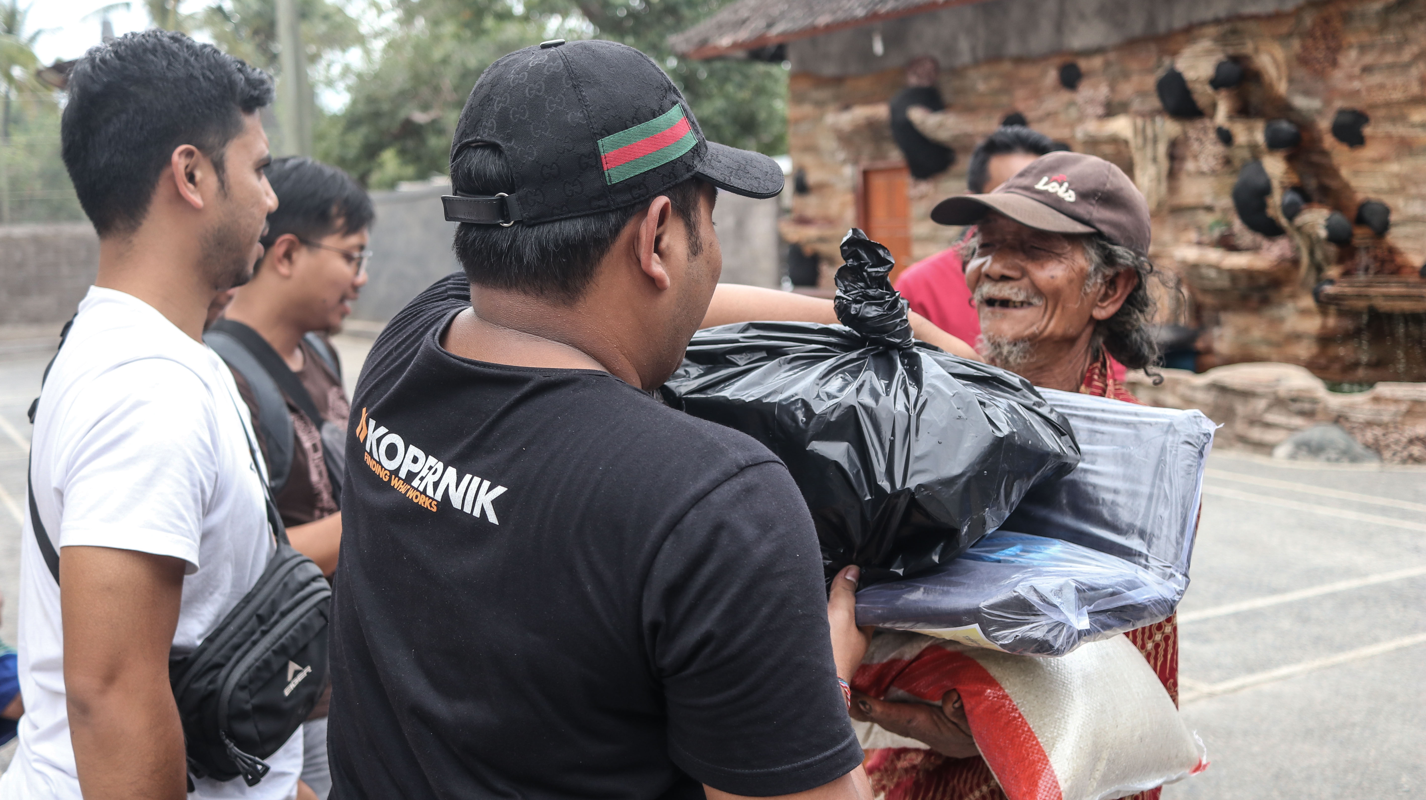 Delivering Needed Support to Families Affected by Lombok Earthquake