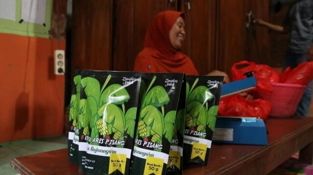 With a Permit in Hand, Women Entrepreneurs in East Java Thrive